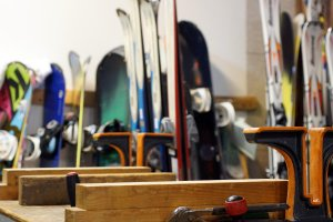 Get the right size for your snowboard and skis!